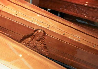 Cassa mortuaria raffigurazione madonna